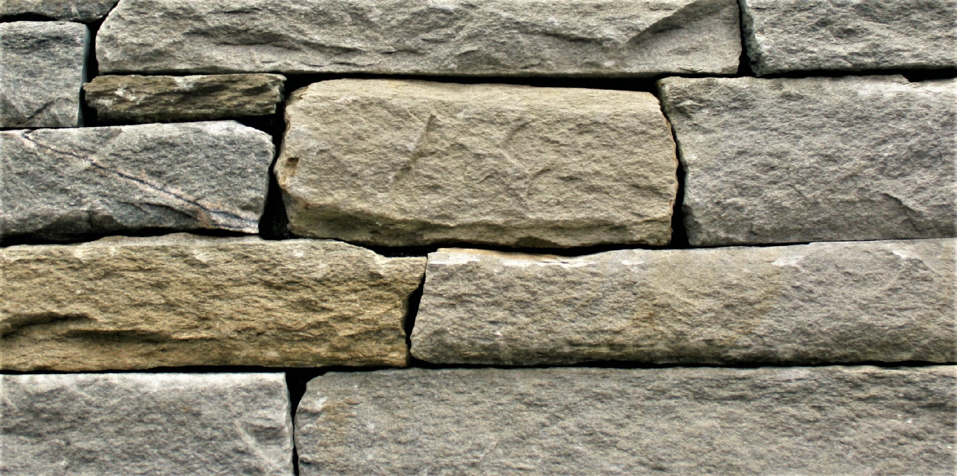 Sierra Plains Mountain Ledgestone by ErthCoverings